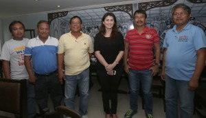 "YEDDA ROMUALDEZ HELPS YOLANDA VICTIMS IN BABATNGON ,LEYTE ------  Yedda Romualdez (3rd right) wife of Leyte (1st Dist) Rep.Ferdinand Martin ""FM"" Romualdez meets with Municipal of Babatngon Leyte Councilors Jun Dimpas (2nd left),Luvivino Quintana,(3rd left),Edgar Morden (2nd right) and Municipal secretaries Divino Espina (right) and Roderick Quintana (left) to discuss livelihood program for the typhoon Yolanda victims in Babatngon.Yedda will provide capital for every barangay's livelihood programs.She will also  buy the products for marketing.The councilors are in Manila for their Lakbay Aral project.photo Ver Noveno"