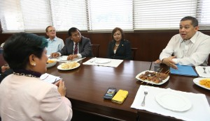 "2015 BUDGET DIALOGUE ------ Independent Minority Bloc leader and Leyte (1st Dist) Rep.Ferdinand Martin ""FM"" Romualdez (right) discusses with Social Welfare Secretary Dinky Soliman (left)  the sustainable livelihood program for typhoon Yolanda Affected Area during a dialogue at the House of Representatives.Looking on are Quezon Rep.Aleta Zuarez (2nd right),Surigao Rep.Philip Pichay (3rd right) and La Union  Rep.Victor Ortega.photo by Ver Noveno."