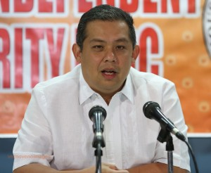 "ROMUALDEZ ASKS PALACE TO DROP '2ND TERM' PLANS FOR PNOY •	August 25, 2014 •	Written by Ryan Ponce Pacpaco •	Published in Top Stories HOUSE independent bloc leader and Leyte (1st District) Rep. Ferdinand Martin ""FM"" G.  Romualdez yesterday said Malacañang should drop plans to push for the second term of President Benigno ""Noynoy"" Aquino III so as not to distract various concerns that need immediate actions and solutions.      Romualdez, a lawyer and president of the Philippine Constitution Association (Philconsa), said Aquino is doing a great disservice to the Filipino people with its failure to make a categorical statement on his stand on political revisions of the Constitution to allow his second term.      ""Since he (Aquino) said he was open to another term, it has left people confused, and political, government, and private organizations are speculating, and the entire nation is distracted. As if they want the people to scurry around, while waiting for some words from above. The people are intelligent, and should not be insulted and demeaned that way,"" said Romualdez.    ""The administration has lost its focus even more on the pressing economic issues like joblessness, and fundamental economic reforms to generate investments,"" said Romualdez.        The House opposition leader said even Aquino's allies are cold to the idea of touching the political provisions of the Constitution.      However, Romualdez has been backing Resolution of both Houses No. 1 sponsored by Speaker Feliciano ""Sonny"" Belmonte Jr. which seeks to add the phrase ""unless otherwise provided by law"" to some economic provisions of the Constitution.      Plenary discussions on the RBH 1 is expected to resume today."