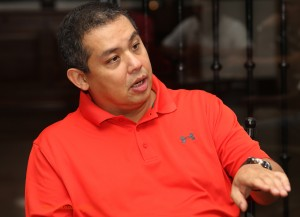 "ROMUALDEZ: COMELEC SHOULD STRICTLY IMPLEMENT RULES ON POLL EXPENSES •	September 4, 2014 •	Written by Ryan Ponce Pacpaco •	Published in Top Stories HOUSE leaders yesterday said the Commission on Elections (Comelec) should religiously and strictly implement the Statements of Contributions and Expenditures (SOCE) in the 2016 presidential polls to level the playing field among candidates.       This after the Supreme Court (SC) struck down the air time limit on campaign ads.      ""We respect the Supreme Court as the highest court of the land and the court of last resort. With this, the Comelec must be more strict and religious in implementing the law on expenditures to level the playing field,"" said House independent bloc leader and Leyte (1st District) Rep. Ferdinand Martin ""FM"" G. Romualdez, a lawyer and president of Philippine Constitution Association (Philconsa), pointed out.          Speaker Feliciano ""Sonny"" Belmonte Jr. admitted he was against the SC ruling as he lamented that candidates could violate Republic Act (RA) No. 7166 or the SOCE.        ""Well, actually there's a money limit to spending, but it could be circumvented. Frankly, I believe the Comelec was right in imposing a limit. It certainly benefits the rich candidates,"" Belmonte stressed after Comelec Chairman Sixto Brillantes announced that it would not appeal the ruling.   Parañaque City Rep. Gus Tambunting echoed Belmonte's concern. ""The Comelec can still level the playing field by making sure election spending rules are followed. Even with existing law on time limits, those elected are well off. Have we elected a poor president, vice president or senator?""      Nevertheless, Tambunting said ""the Supreme Court is the final interpreter of the law, so the ruling must be respected.""      House Deputy Majority Leader and Citizens Battle Against Corruption (Cibac) party-list Rep. Sherwin Tugna, Isabela Rep. Rodolfo ""Rodito"" Albano III and Abakada party-list Rep. Jonathan de la Cruz said rich candidates would benefit from the SC decision.      ""This will be favorable to the moneyed candidates. However, there is still a limit being imposed by the Comelec on a candidate on allowable expense per voter. Having said that, there is still a limit to the moneyed candidates. Good platform and good name win elections and the perfect example is PNoy (President Benigno ""Noynoy"" Aquino III),"" said Tugna.      ""The rich candidates always have the advantage. What's new?"" Albano pointed out.      For his part, De la Cruz said ""it can really work to the advantage of rich candidates and promote a culture of one minute slogan rather than one designed for serious discussion of the issues.""      The SC assailed the Comelec's actions on air time, branding it as ""arbitrary.""      The High Tribunal voted unanimously to ""partially"" grant the petitions filed by GMA Network, ABC Development Corp., ABS-CBN, Manila Broadcasting Company and the Kapisanan ng mga Brodkaster ng Pilipinas challenging the Comelec Resolution 9615 as amended by Resolution 9631.      After the 2013 polls, Brillantes said the poll body intends to implement strictly the rules on campaign finance, including the requirement for both the losing and winning bets to file their SOCE.      Under RA No. 7166, candidates for president and vice president may spend only P10 per voter.      Other candidates having political party support may spend only P3 per voter, while those without political party nomination can spend P5 for every voter.      A political party shall spend P5 for every voter registered in the constituency where it has official candidates."