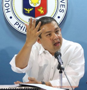 "ROMUALDEZ: BOSSES VS 2ND TERM FOR PNOY •	October 3, 2014 •	Written by Ryan Ponce Pacpaco •	Published in Nation HOUSE independent bloc leader and Leyte (1st District) Rep. Ferdinand Martin ""FM"" G. Romualdez, supporter of the economic Cha-cha of Speaker Feliciano ""Sonny"" Belmonte Jr. and president of the Philippine Constitution Association (Philconsa), said no less than the voices of the bosses have spoken against the second term for President Aquino.   ""The bosses say no to second term for the President. Isn't it loud and clear? Better for the proponents to back off now so that we will not divide the nation once again,"" Romualdez stressed.      Romualdez expressed belief that some allies of President Aquino are continuously pushing political Cha-cha because they are afraid of facing charges after June 30, 2016.      ""The biggest problem of the administration is that if their presidential candidate would not win because surely, they would face charges. These people are afraid of losing power and that is the very reason why they are trying very hard or dead set in pushing the second term for the President,"" said Romualdez.      Romualdez reiterated that time constraint and uncertain support of majority of their colleagues would signal the death of political Cha-cha.      ""They (proponents) must surrender because this is unpopular and too late in the day,"" said Romualdez, adding there is no time to push political Cha-cha especially elections draw near and the filing of certificate of candidacy (CoC) begins in October next year.   Romualdez aired his statements after a Pulse Asia survey disclosed that six of 10 Filipinos do not support such proposal.      The Pulse Asia survey, conducted from Sept. 8 to 15, asked respondents: ""If the Constitution will be amended and the President would be allowed to run again, are you in favor or not in favor of President Aquino running again for the presidency?""      It found out that 62 percent of the respondents are not in favor of Aquino's reelection, while 38 percent said otherwise.      Earlier, the administration denied that the ruling Liberal Party (LP) was behind the paid advertisement by a group called More2Come or Movement for Reform, Continuity and Momentum.      He said the one page ad would show that there are groups wanting President Aquino to continue implementing reforms for another term.      Political Cha-cha is aimed at allowing President Aquino to run by amending the Constitution either through Constituent Assembly (Con-Ass) or Constitutional Convention (Con-con).      According to the group, it is pushing for the second term of President Aquino because of his relentless and unforgiving campaign against corrupt officials.      It cited the economic growth of the country due to fiscal reforms and budgetary policies resulting in sizeable government savings on the reason for President Aquino to run."