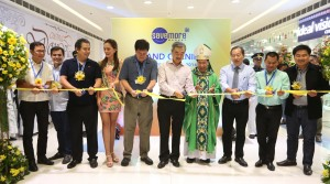 "The New Save More department store opens yesterday in Tacloban City one year after super typhoon Yolanda ,cutting the ceremonial ribbon are from left Tacloban City Vice Mayor Jerry Sambo Yaokasin,Manila Vice-Mayor Isko Moreno,Leyte (1st Dist) Rep. Ferdinand martin ""FM"" Romualdez,Miss Earth Water 2014 Kim Covert, Tacloban City Mayor Alfred Romualdez,SM Prime Holding Inc.President Hans Sy, Palo Arcbishop John Du, SM Retail Food Vice Chairman Herbert Sy, Leyte Gov.Mic Pettilla,and Tanauan Leyte Mayor Pel Tecson.photo by Ver Noveno"