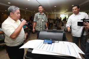 "Romualdez welcomes Comelec move to guarantee PWDs role in 2016 polls •December 14, 2014 •Written by Ryan Ponce Pacpaco •	Published in Top Stories •	0comments   HOUSE independent minority bloc leader and Leyte (1st District) Rep. Ferdinand Martin ""FM"" G. Romualdez yesterday welcomed the reconvening by the Commission on Elections (Comelec) of an inter-agency committee and a network of non-government organizations  (NGOs) to guarantee the participation of persons with disability (PWDs) in the 2016 presidential polls.      Dasmariñas City Rep. Elpidio ""Pidi"" Barzaga Jr. and Quezon City Rep. Winston ""Winnie"" Castelo also lauded the Comelec action. ""We welcome the convening of the inter-agency committee as the state's obligation to guarantee equality and the full participation of PWDs in the next polls,"" said Romualdez, a lawyer and president of the Philippine Constitution Association (Philconsa).      With an overwhelming 201 votes, the House of Representatives approved last December 1 on third and final reading House Bill (HB) No. 1039 principally authored by Romualdez seeking to exempt PWDs from paying the value-added tax (VAT) on certain goods and services to ensure their benefits nationwide.      Barzaga, former chairman of the House committee on suffrage and electoral reforms during the previous 15th Congress, said Comelec should consider all the sentiments of PWDs during consultations.      ""Usually, PWDs complain about their lack of access to polling precincts. This should be addressed by the Comelec,"" said Barzaga, a lawyer and chairman of the House committee on games and amusement.   Castelo agreed with Romualdez and Barzaga, saying that PWDs should have ""more"" special polling places in the May 2016 presidential elections.      ""Empowering PWDs by guaranteeing that their rights to suffrage are always respected and upheld should always be prioritized and strengthened by the government,"" said Castelo.      Comelec spokesman James Jimenez said ""the committee will conduct more satellite voter registrations and other special programs and events catering to PWDs.""      According to records in the May 2013 polls, there were 191,672 million PWDs registered voters and 142,601 voted out of the actual number."